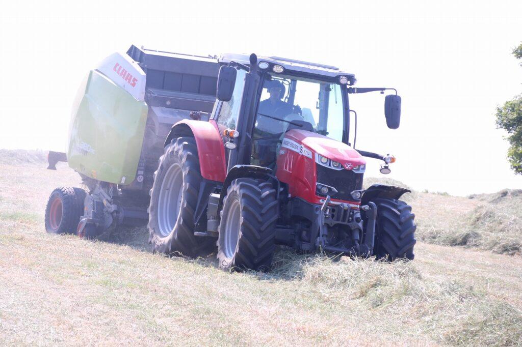 【JAところ通信】JA川東牧場採草地の共同草刈り作業が始まりました!